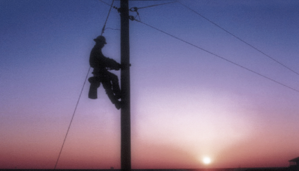 lineman power dangerous jobs